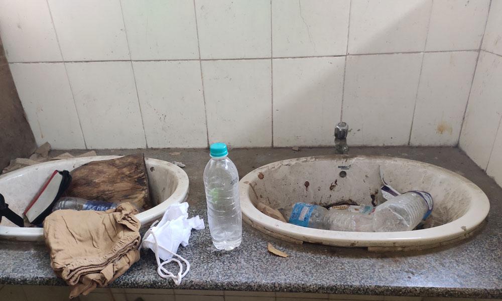 Wash basin at Sindagi bus station pay and use toilet